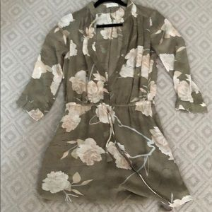 Aritzia/Babaton green floral dress. Size small